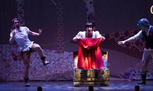 """""""Caperucita. El cuento musical de la capa roja"""", dirigida por Roberto Berrio, en el Teatro Auditorio de Cuenca"""
