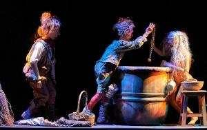 El Teatro Alhambra de Granada acoge el Festival de Títeres, Objetos y Visual (FITTOV)