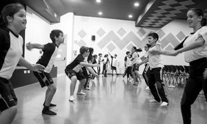 'Mi cole baila': el festival MES DE DANZA de Sevilla se adentra en las aulas