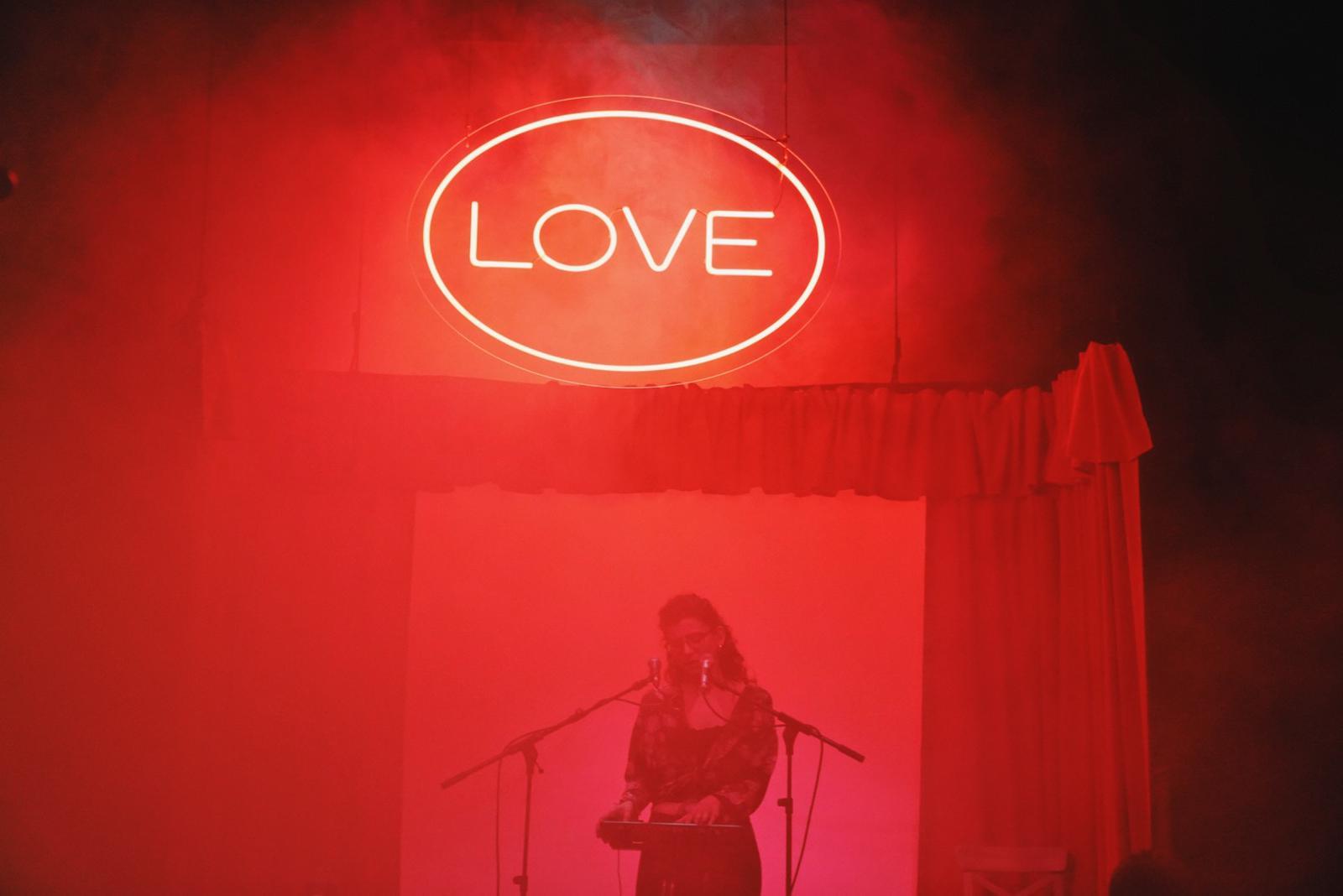 LOVE, d'Escenaris Especials